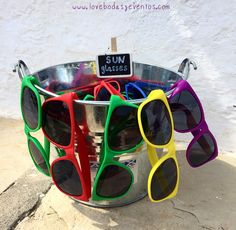 "Todo preparado para el primer día de la #bodaLOVE gaditaholandesa de V&H.   Gafas, crema solar, gorras, flotadores, limonada, champán, un sol maravilloso y familia y amigos de muchos puntos del mundo que se reencuentran esta tarde.   Y esta noche toca barbacoa ""Lunares""...como dice Victor...¡TOCOTÓÓÓ!  ¿Estáis preparados?  Ali LOVE #love #amor #gay #sunglasses #swimmingpool #wedding #webstagram #weekend #weddingplanner #weddinginspain #events #eventos #Cádiz #Amsterdam #Holanda #Holland…"
