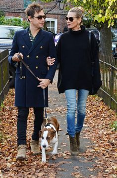 Kate Moss & Jaime Hince looking chic walking the dog.