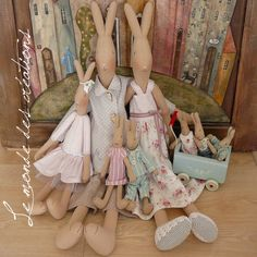More gorgeous bunnies! Maileg Bunny, Sewing Projects, Projects To Try, Arts And Crafts, Diy Crafts, Easter Parade, Family Gifts, Spring Crafts, Bunny Rabbit