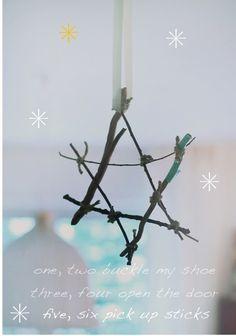willowday: Walks and Stars Fun Crafts, Christmas Crafts, Crafts For Kids, Christmas Ornaments, Christmas Themes, Christmas Fun, Christmas Decorations, Advent, Pick Up Sticks