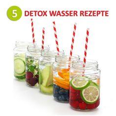 Regelmäßig Wasser zu trinken ist gesund und hilft dem Körper Giftstoffe aus den Körper zu spülen. Um diesen Effekt zu verstärken, können Sie mit einfachen Zutaten normales Trinkwasser in Detox Wasser verwandeln. Jede Zutat liefert verschiedene positive Wirkungen für die Entgiftung. Wir stellen Ihnen 5 Rezepte für Detox Wasser vor, die Sie im Handumdrehen zubereiten können. So wird Ihre Entgiftungskur bestimmt nicht l