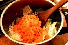 ΜΑΓΕΙΡΙΚΗ ΚΑΙ ΣΥΝΤΑΓΕΣ: Λαχανόρυζο διαφορετικό σκέτο άρωμα !!!! Greek Recipes, Guacamole, Cabbage, Rice, Vegetables, Cooking, Ethnic Recipes, Food, Kitchen