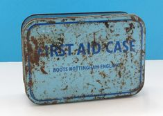 Vintage Boots First Aid Case Blue With Contents Prop Display Vintage Boots, Vintage Wear, Retro Vintage, Vintage Items, Campervan Accessories, Vintage Home Accessories, 50 Years Old, First Aid