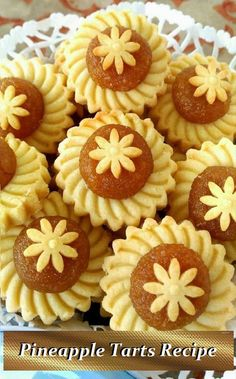 Let's bring some festive cheers to the upcoming Christmas season with some Flower Blossom Pineapple Tarts. I've previously shared the recipe but a more detailed one is in the works. Asian Desserts, Sweet Desserts, Sweet Recipes, Mochi Recipe, Tarts Recipe, Malaysian Dessert, Pandan Cake, Cookie Recipes, Dessert Recipes