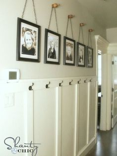 Wall Art ~ Gallery Frames Easy & cheap DIY project to fill a big wall - no power tools needed. Frames on chains on finials.Easy & cheap DIY project to fill a big wall - no power tools needed. Frames on chains on finials. Diy Wand, Gallery Frames, Gallery Wall, Mur Diy, Picture Frame Display, Art Collages, Collage Picture Frames, Diy Wall Art, My New Room