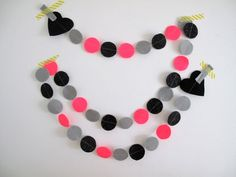 Items similar to Confetti Garland // Pink Grey Black Sparkle Circle Felt Party Bunting // 2 meters on Etsy Black Sparkle, Pink Grey, Confetti, Garland, Trending Outfits, Unique Jewelry, Handmade Gifts, Etsy, Vintage