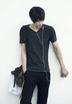 DAMN HE'S THE HOTTEST HE TIAN COSPLAYER