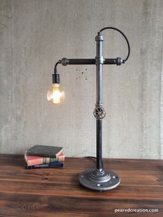 Industrial Style Lamps, Industrial Light Fixtures, Industrial Table, Lampe Steampunk, Office Lamp, Pipe Lighting, Task Lamps, Cool Lamps, Pipe Lamp