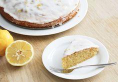 Citronmåne opskrift / Lemon marcipan cake with lemon frosting