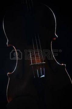 Viool Muziek kunst Artistieke silhouet muziekinstrument op zwart  Stockfoto
