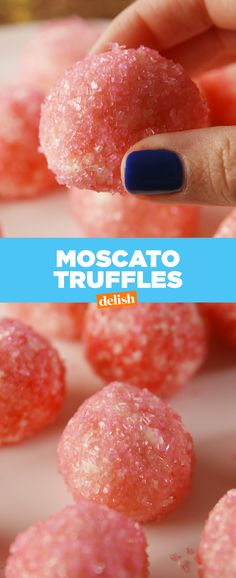 Delish: How To Make Moscato Truffles: Moscato lovers: how many of these truffles are you throwing back this weekend? Candy Recipes, Holiday Recipes, Cookie Recipes, Dessert Recipes, Oats Recipes, Holiday Drinks, Wine Recipes, Truffle Recipe, Homemade Candies