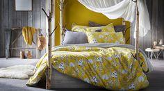 Tendance chambre à coucher into the woods #zodio #bohème #chambre Villas, Comforters, Sleep, Blanket, Wood, Furniture, Home Decor, Bedrooms, Interiors