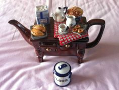 Cardewl-Teapot-Limited-Edition