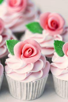 Cupcakes - 101 Wedding Favour Ideas