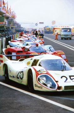 Steve McQueen: Le Mans In The Rearview Mirror - Offroad und Motocross, sportbikes und mehr Sports Car Racing, Drag Racing, Sport Cars, Race Cars, Auto Racing, Steve Mcqueen Le Mans, Steve Mcqueen Cars, Motocross, Nascar