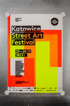 Katowice Street Art Festival – silkscreen poster series. Posters con colores flúo, diseños geométricos.