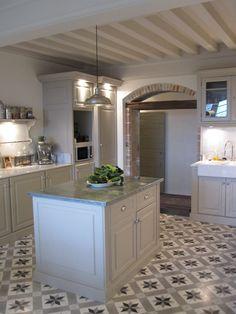Kitchen Tiles Floor Ideas Countertops 34 New Ideas Wood Floor Kitchen, Kitchen Tiles, Kitchen Flooring, New Kitchen, Kitchen Interior, Kitchen Decor, Kitchen Design, Beautiful Kitchens, Cool Kitchens