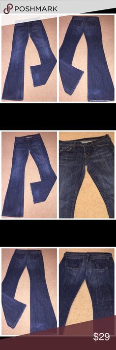 """CITIZENS OF Humanity INGRID FLARE JEANS SZ 27 x 34 CITIZENS OF HUMANITY """"Ingrid #002"""" low waist flare denim jeans in size 27. Inseam 34"""". In excellent pre-owned condition. No holes, rips or stains (the style of these jeans is distressed). Citizens Of Humanity Jeans Flare & Wide Leg"""