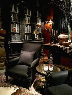 ralph lauren home living room Style At Home, Home Office Design, House Design, Masculine Interior, Cigar Room, Home Libraries, Dark Interiors, Sweet Home, New Homes