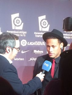 Neymar getting interviewed at the LPF Awards by TVE [30/11/'15].