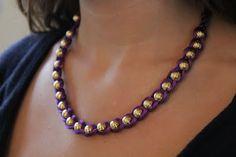 DIY embroidered necklace bracelet- looks so easy! Braided Necklace, Braided Bracelets, Rope Necklace, Wrap Bracelets, Diy Bracelet, Tutorial Colar, Necklace Tutorial, Diy Embroidered Necklace, Beaded Jewelry