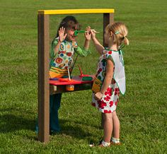 http://adventurouschild.com/art-easel.php  Outdoor Art Easels are a fun way to bring the arts outdoors onto the preschool playground.  #playoutdoors
