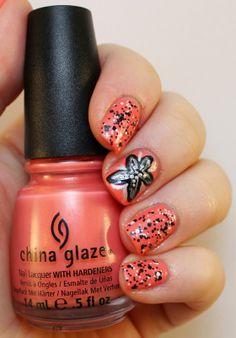 Goodly Nails: Kukka ja confettis