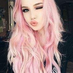 Pink hair, don& care! Hailie is perfect in pink with mermaid luscious hair. Add a wink and a sweet kiss to up your selfie game! Light Pink Hair, Pastel Pink Hair, Pink Wig, Hair Color Pink, New Hair Colors, Pastel Colors, Lip Colors, Pink Hair Tips, Color Yellow
