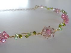 How to Make a Pink Daisy Chain Necklace (I could totally see this as a little tiara on a girl baby)