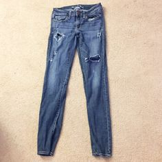 AE distressed denim jeggings Great pants from American Eagle with good Aretha to them! Nice distressed look. 99% cotton, 1% spandex American Eagle Outfitters Jeans Skinny