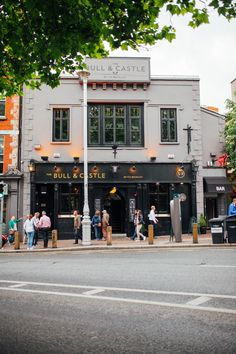 Dublin City Guide: E