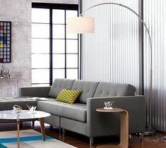 lampadaire alinea pour le salon avec canape gris et tapis colore