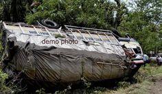 बिहार: टाइल्स से भरा ट्रक पलटने से 4 की मौत