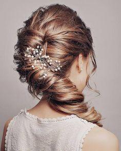 Long Wedding Hairstyles & Bridal Updos via Evgeniya Lebedeva / http://www.himisspuff.com/wedding-hairstyles-from-evgeniya-lebedeva/4/
