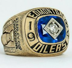 Edmonton Oilers Stanley Cup Championship ring... 1984. Beauty.