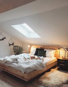 Romantic Bedroom Lighting Ideas You Never Seen Before - Numerous individuals utilize their bedrooms as a romantic escape inside their home. Designing your bedroom with a romantic pizazz takes some time and . Bedroom Design Trends, Bed Decor, Romantic Bedroom Lighting, Bedroom Trends, Home Decor, Modern Bedroom, Loft Room, Modern Bedroom Decor, Rustic Bedroom