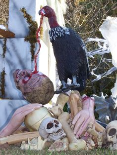 Use my buzzard this way? Halloween Queen, Halloween Boo, Halloween Projects, Diy Halloween Decorations, Halloween Themes, Tree Stump Centerpiece, Haunted Trail Ideas, Haunted Forest, Hallows Eve