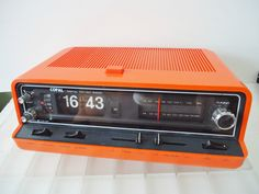 COPAL RD- 700 Digital Clock Radio KLAPPZAHLEN Alarm Flip Clock SPACE AGE | eBay Digital Clock Radio, Orange Crush, Space Age, Audiophile, Flip Clock, Radios, Industrial Design, Retro Vintage, Future