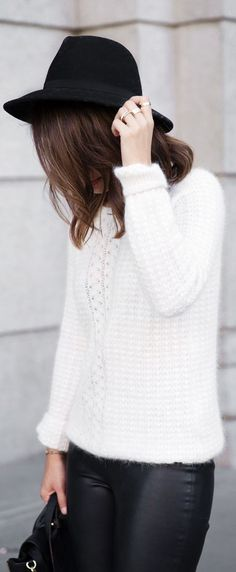 Fall / Winter - street & chic style - bohemian look + black bohemian hat + white sweater + leather skinnies