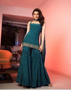 Party Wear Indian Dresses, Designer Party Wear Dresses, Indian Fashion Dresses, Indian Bridal Outfits, Indian Gowns Dresses, Dress Indian Style, Fashion Outfits, Indian Ladies Dress, Women's Fashion