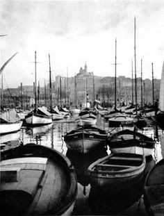 The harbor of Marseille, France, 1927 by Martin Hurlimann Provence, Belle Villa, Chula, France, Best Cities, Fantasy, Old Pictures, Black And White Photography, The Great Outdoors