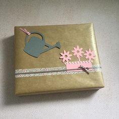Ein #Dankeschön an eine liebe Nachbarin, in voraus für's Blumen🌸🌺 gießen... #geschenk #present #diy #kreativ #selfmade #gift #handmade #basteln #papier #papercraft #paper #verpacken #creative #gifting #giftwrapping #hobby #kraft #craft #geschenkverpackung #giftbox #schleife #ribbon #rosa #washitape #blumen #hechoamano #emballage #paquet #thankyou