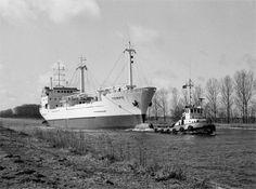Begin maart 1982 op het Eemskanaal bij Groningen onderweg van de bouwwerf naar Delfzijl http://vervlogentijden.blogspot.nl/2015/06/elke-dag-een-nederlands-schip-uit-het_11.html