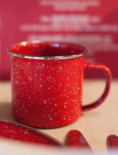 ✿ڿڰۣ(̆̃̃•Aussiegirl  http://pinterest.com/aussiegirllori/seeing-red/  tin cup