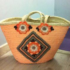 Capazo pintado por Misueño manualidades y decorado a crochet Facebook Tricrochet