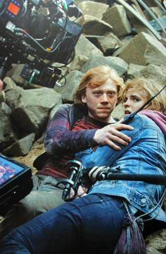 Behind The Scenes Of The Harry Potter Movies. Rupert Grint as Ron Weasley and Emma Watson as Hermione Granger, Harry Potter and the Deathly Hallows