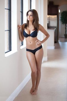 Latina body inspiration because we have big boobs and thicker legs