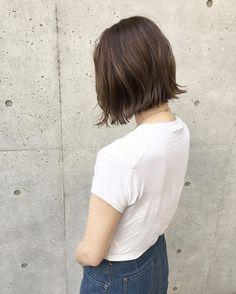 アッシュグレージュカラー★ ・ ・ ケアカラーで仕上げる透明感グレージュカラー♪ ・ ・ 前回入れたハイライトを活かしてカラーしています! ・ ・ *立体感のある髪色にしたい方 *透明感のある髪色にしたい方 ・ ・ ぜひ一度お試しください☺︎ ・ ・ cut ¥7,200 cut&carecolor ¥15,400 highright ¥8,000 ・ ・ 【予約状況】 9/7 ○ 9/8 OFF 9/9 ○ ・ ・ #shima_tanebe #shimakichijoji #shima#cut#color#bob#medium#long#髪型#ヘアスタイル#ヘアカラー#カラー#ボブ#ロブ#ミディアム#ロング#アッシュ#グレージュ#外ハネ#ハイライト#アクネ#ステラマッカートニー#spur#吉祥寺