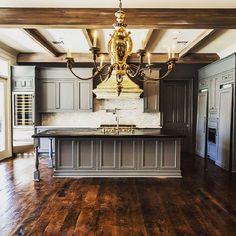 "C.M. Oliver Architects (@cmoliverarchitects) on Instagram: ""Details make the space. #kitchendesign #kitchen #interiordesign #nola #oldmetairie #TAGHomes…"""