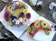 일본 수강생 작품이에요- #フラワーケーキ #flowercake #cake #decorationcake #flowercakeclass #koreandessert #koreanstylecake #ricecake #beanpastecake #food #bakingclass #buttercream#취미생활 #케이크스타그램 #베이킹클래스 #앙금플라워떡케이크 #냠냠 #생신케이크 #선물 #버터크림 #앙금플라워 #앙금떡케익 #떡케익 #앙금플라워케이크 #설날선물 #시댁선물 #생신선물